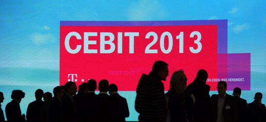 Cebit in IT-Gipfel der Automobilindustrie